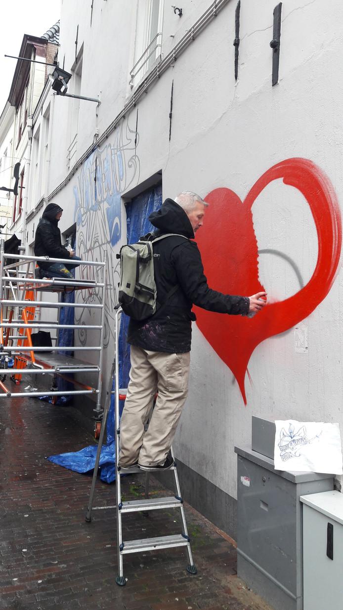Het graffitiwerk van Kings Of Colors moet weer weg