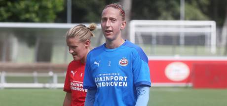 Van Veenendaal na eerste veldtraining: 'PSV heeft de zaken hartstikke goed voor elkaar'