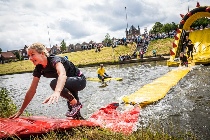 Archiefbeeld van een obstacle run elders, ter illustratie.