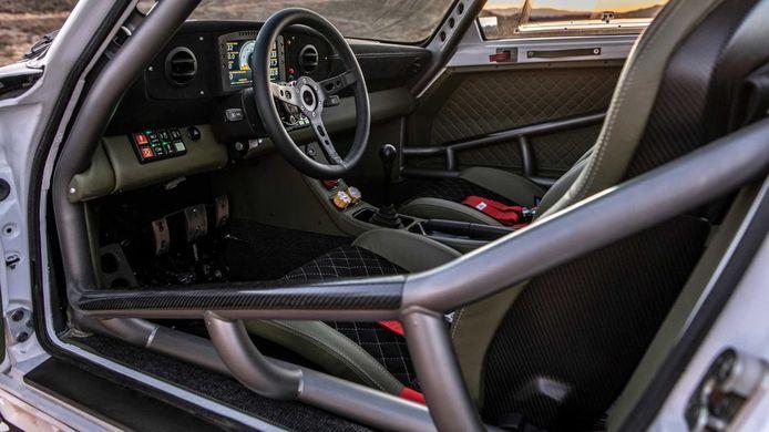 Baja 911 van Russell Built
