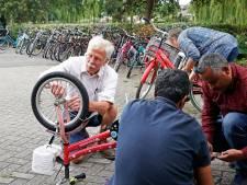 Fietsbank zoekt ruimte: met de weggeeffietsen komen ook de verhalen