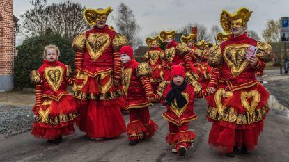 Baasrode carnaval gaat door, maar carnavalisten mogen niet op de wagens staan