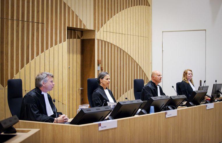 Rechters voorafgaand aan een nieuwe zittingsronde in het Justitieel Complex Schiphol, in het liquidatieproces dat zich concentreert op motorclub Caloh Wagoh.  Beeld ANP