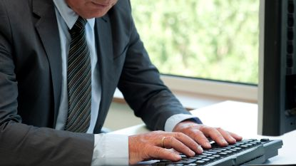 Belg werkt gemiddeld 63% van 38 urenweek: hoe ouder, hoe minder uren effectief gepresteerd