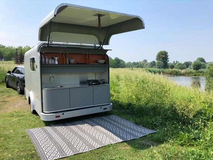 De Lume Travel, designcaravan van Nederlandse bodem. Met buitenkeuken.