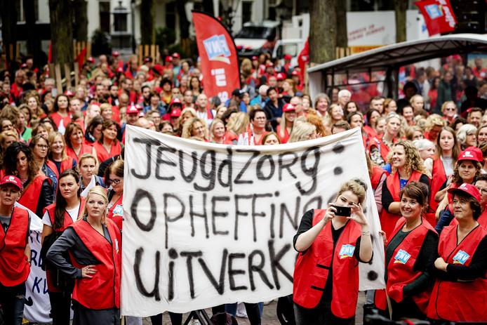 Beeld van de demonstratie van jeugdwerkers in Den Haag op 3 september vorig jaar.