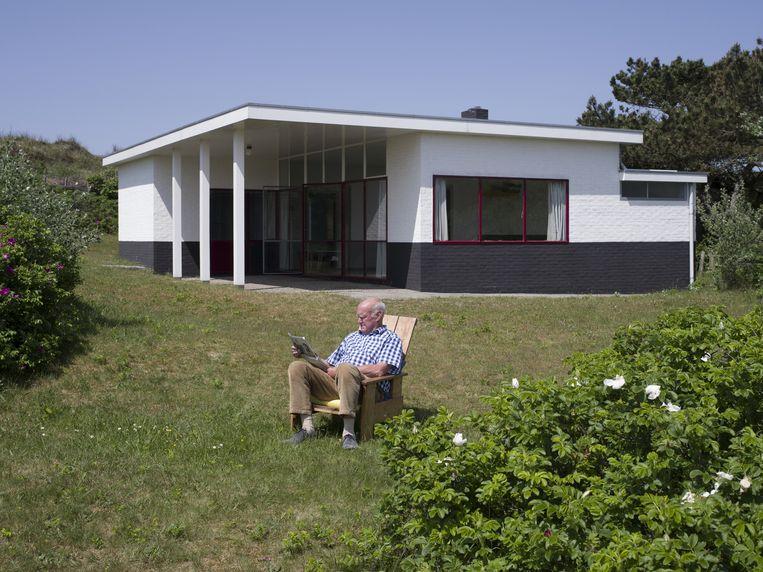 Gerrit Rietveld ontwierp de bungalow in Petten speciaal voor Jan Brandt Corstius, zijn vrouw Wil Molenaar en hun kinderen. Beeld Arjan Bronkhorst