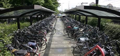Opgelet: gemeente Veenendaal gaat fietsen verwijderen bij stations