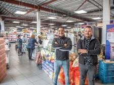 Turkse buurtsuper in Holtenbroek groeit uit tot multicultureel warenhuis