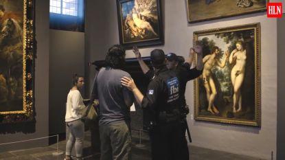 Rubens = porno dus gaat in museum de 'naaktpolitie' ervoor staan
