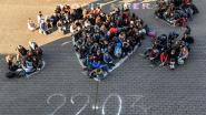 Leerlingen middenschool MIRA herdenken aanslagen