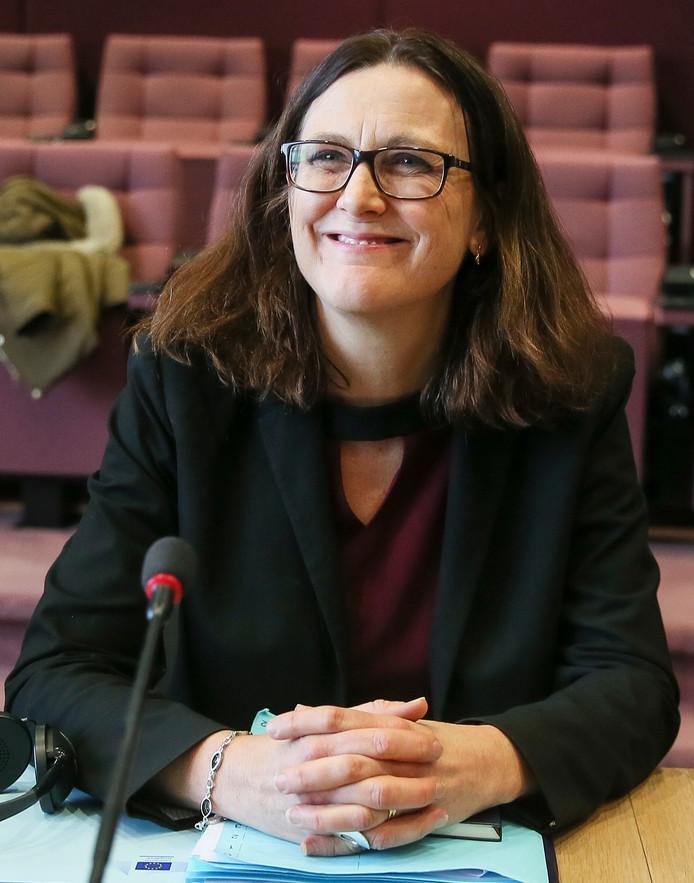De Europese handelscommissaris Cecilia Malmström wil samen met andere getroffenen optrekken tegen de heffing op staal en aluminium van de Amerikaanse president Trump.