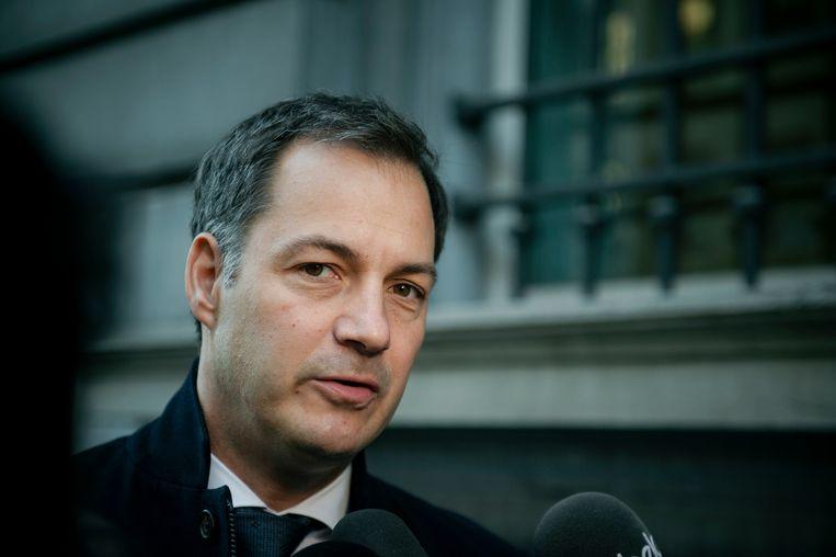 Open Vld-vicepremier Alexander De Croo wil dat de regering zich over de benoeming van Vanackere buigt.