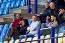 Aandacht voor Vitesse. Links, naast Nicky Hofs, hoofd scout Marc van Hintum. Daarnaast hoofd opleidingen Edward Sturing en naast hem weer Imad Najah. Boven Janus van Gelder, Maurice Keulemans en Koby Michaeli.