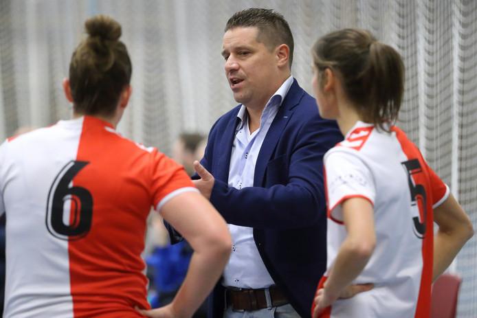 Odik-coach Hugo van Woudenberg gaat volgend seizoen bij Oost-Arnhem aan de slag.