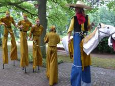 Straattheater steelt show in Haaksbergen