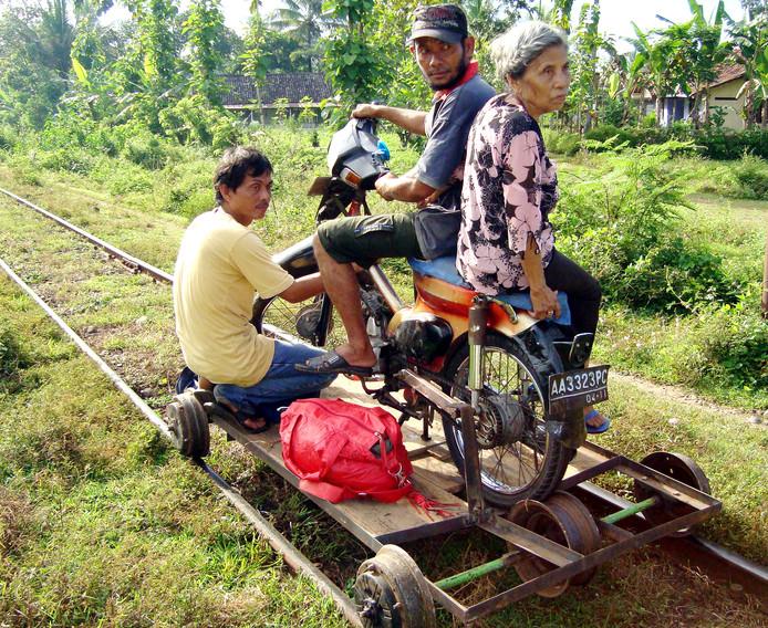 Beeld uit een film over hedendaags Indonesië van filmmaker Leonard Retel Helmrich.