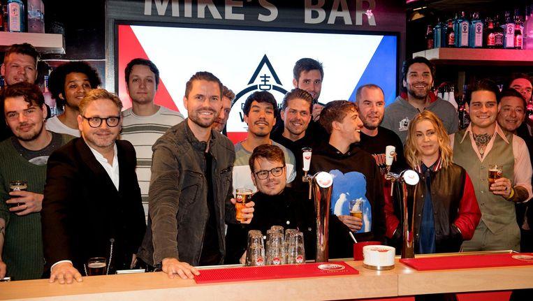 De leden van de Vrienden van Amstel Live tijdens de bekendmaking van de samenwerking met The Flying Dutch voor een eenmalig evenement De Vliegende Vrienden. Beeld anp
