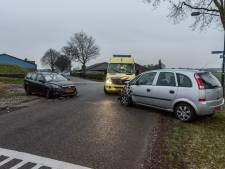 Auto's botsen op elkaar in Galder