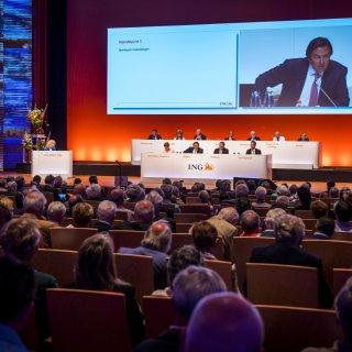 Aandeelhouders ING delen hoogst uitzonderlijke tik uit aan bestuur