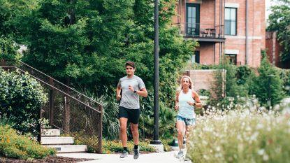 Mooi weer lokt joggers naar buiten: zo vermijd je blessures als beginnende sporter
