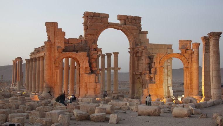 De triomfboog in Palmyra zou zijn opgeblazen door IS. Beeld epa