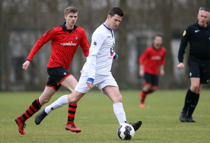 ZBVH en Goudswaardse Boys troffen elkaar dit seizoen in competitieverband in de vierde klasse G. Beide ploegen strijden tijdens de laatste speelronde nog voor nacompetitievoetbal.