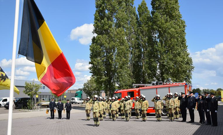 In de brandweerkazerne in Mol werden maandag om 14 uur de twee brandweermannen die omkwamen in een brand in Beringen herdacht met een minuut stilte.