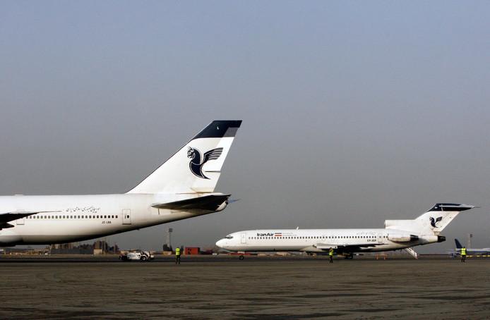 Vliegtuigen op de internationale luchthaven Mehrabad.