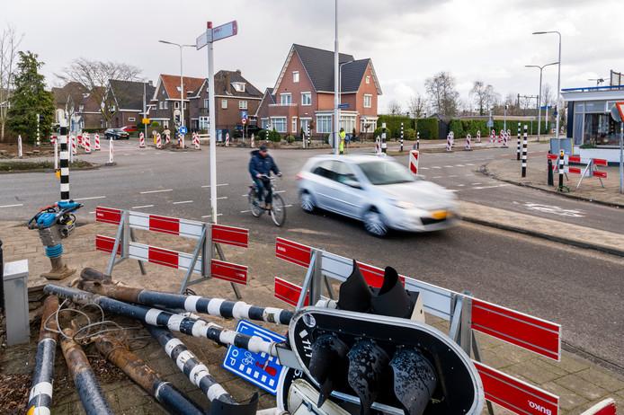 Ook de oude verkeerslichten bij snackbar Frans van der Schoot worden vervangen door intelligenter exemplaren.
