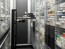 Robot haalt pilletjes bij nieuwe apotheek Oostburg