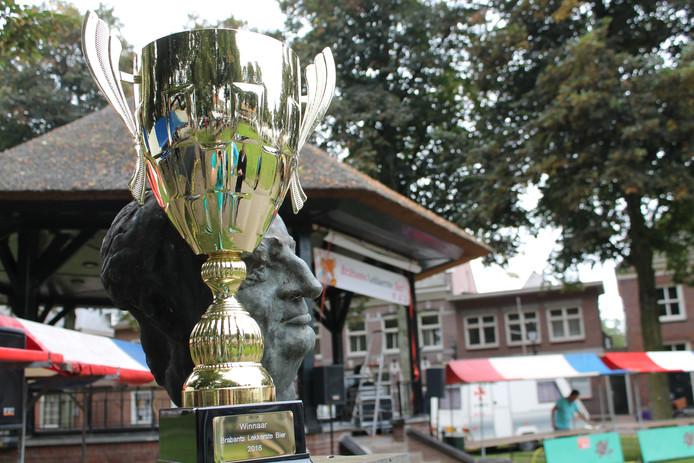 Brabants Lekkerste Bier 2016: ontknoping op de Vrijthof in Hilvarenbeek.