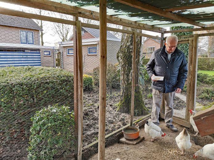 Piet Vermeulen wil graag naar een appartement, maar er zijn geen mogelijkheden.