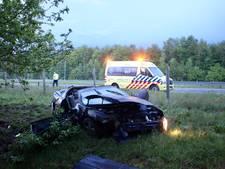 Flinke crash op A58 bij Gilze; auto vliegt meerdere malen over de kop