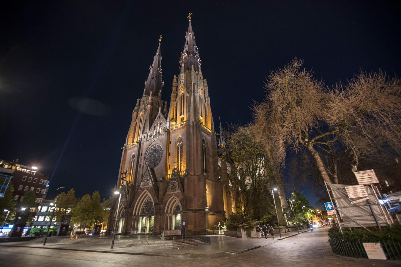 Boekje Thoben en Erven over 150 jaar Catharinakerk Eindhoven | Foto ...