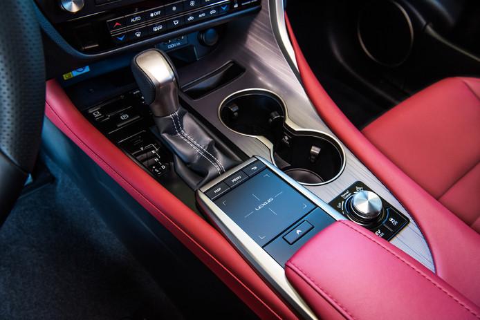 Lexus RX 450h.