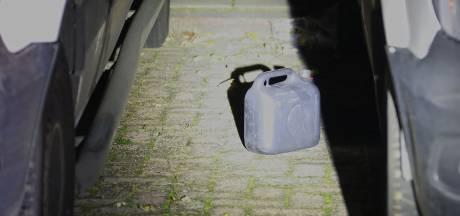 Politie onderzoekt mogelijke brandstichting bij failliet transportbedrijf in Oss