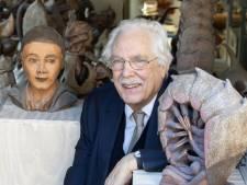 Oud-universitair docent bakt nu potten, schalen en beesten in Ruurlo