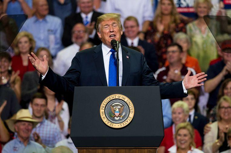 Donald Trump tijdens een verkiezingsrally in Mississippi.