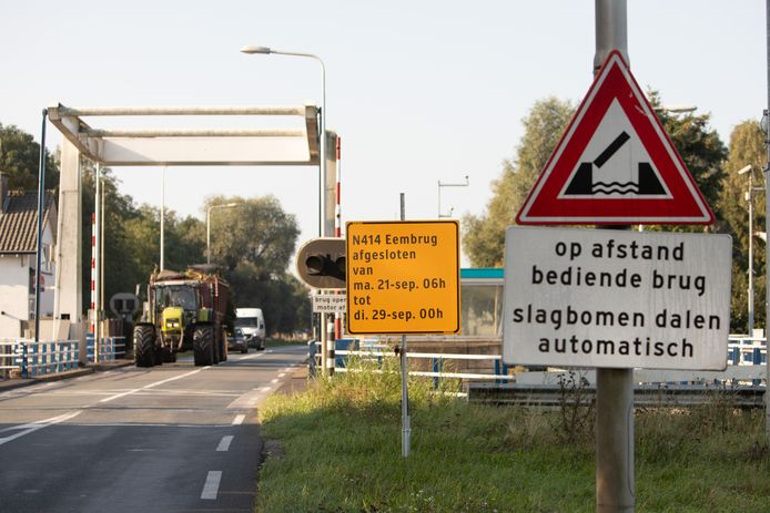 De Eembrug wordt dagenlang afgesloten voor alle verkeer.