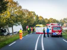 Drie gewonden bij ongeluk met vrachtwagen en bestelbus op N272 in Gemert