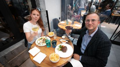 Van 'de Oesterput' in Blankenberge tot 'De Goei Goesting' in Hasselt: zo ging het eraan toe in 20 iconische cafés en restaurants