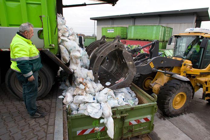 Luierberg bij afvalverwerker Rova.