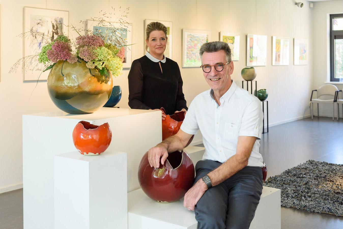 Voormalige galeriehouder Britt Kinnegen volgt Guus de Wijn op. ,,Natuurlijk zal ik accenten gaan verleggen.''