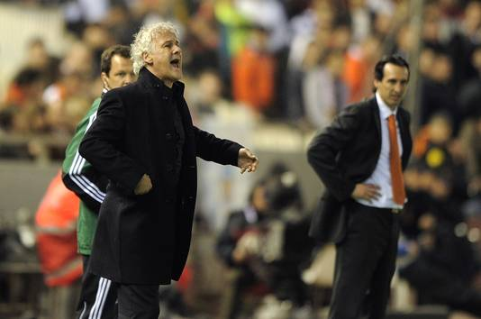 Links PSV-trainer Fred Rutten en rchts Unai Emery van Valencia.