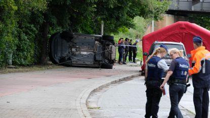 Moeilijke avondspits na zwaar verkeersongeval in Mechelen: man overleeft klap tegen boom niet