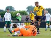 Van Hooijdonk begint oefencampagne NAC met hattrick: 'Hadden vier goals moeten zijn'