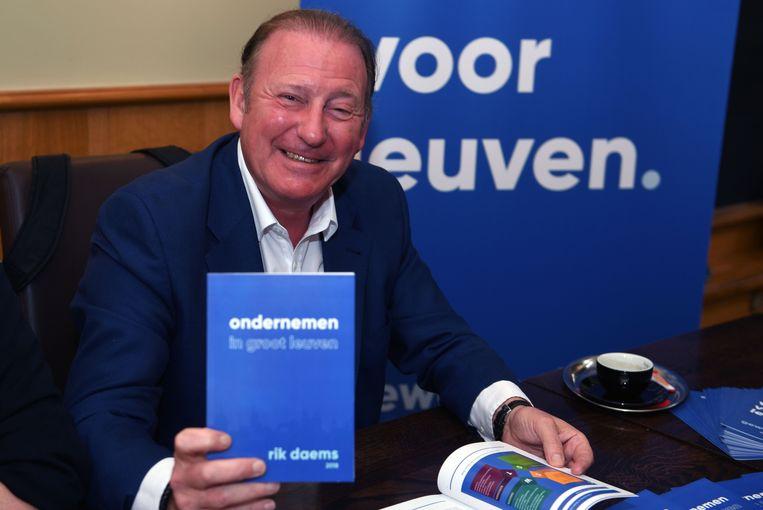 Ook in zijn boek over ondernemen wees Rik Daems al op de gevaren van e-commerce voor de lokale handel in Leuven.