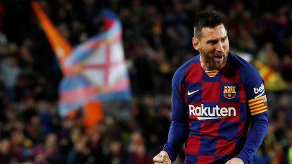 Messi lukt hattrick en laat Camp Nou daveren met twee briljante vrije trappen