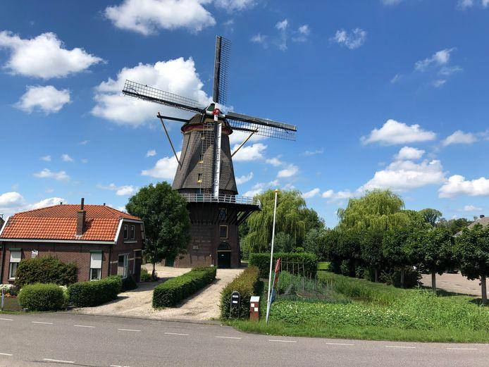 De Arkelse molen Jan van Arkel wordt een boetiekhotel. En hij blijft ook gewoon draaien.